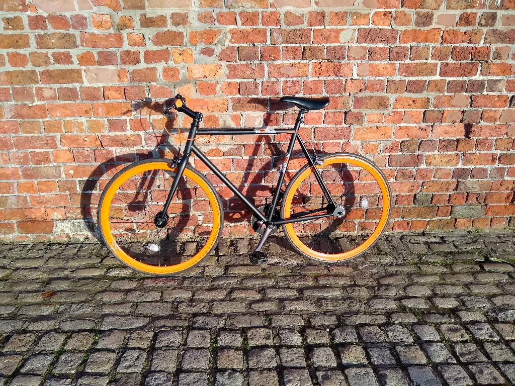 Muddy Fox Race Bike (2017) - Liverpool city centre