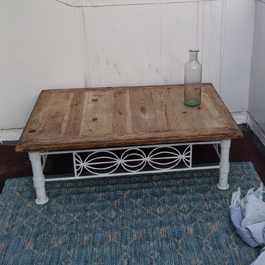 Gorgeous rustic coffee table