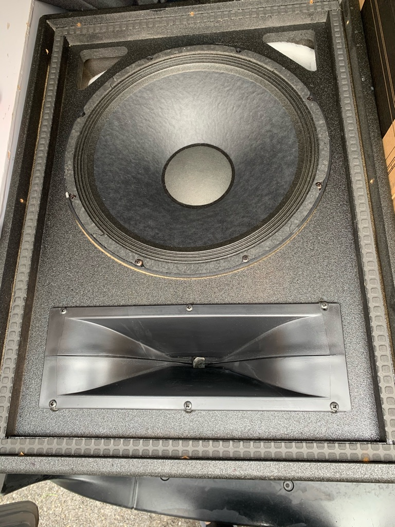 Peavey UL15 PA Speakers with covers & leads