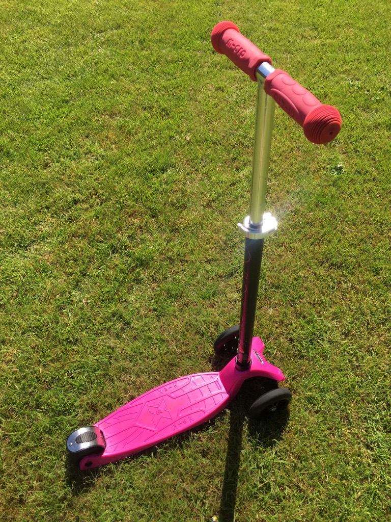 Maxi Micro Scooter Pink (5-12 years)