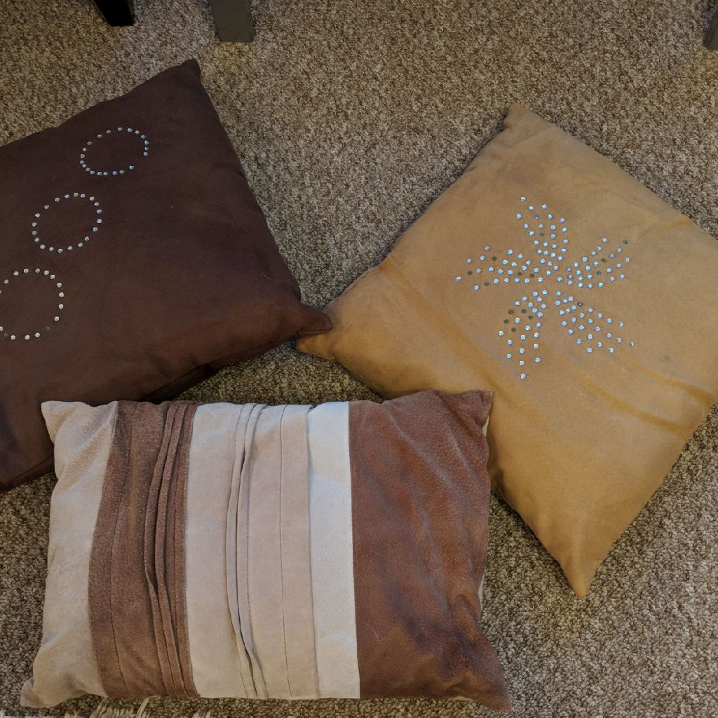Scattered Cushions