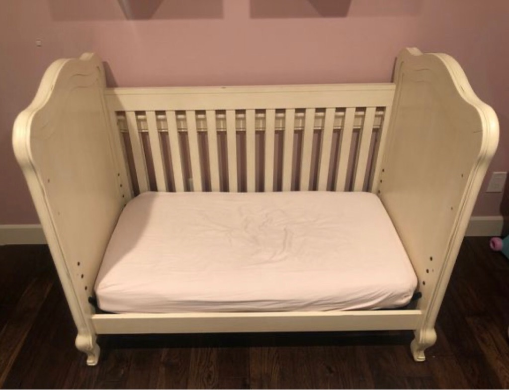 Bertini Tinsley 3-in-1 Upholstered Crib - Antique White with Mattress Bed and removable changing table
