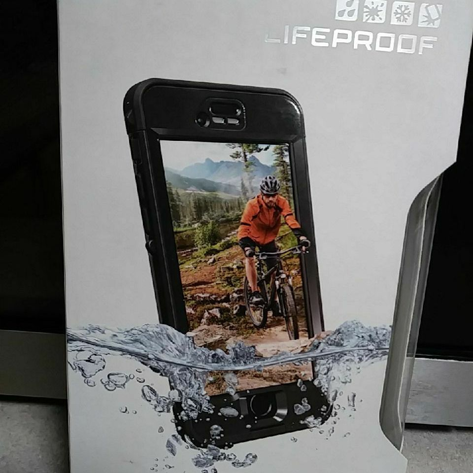 IPhone 6S LifeProof phone case