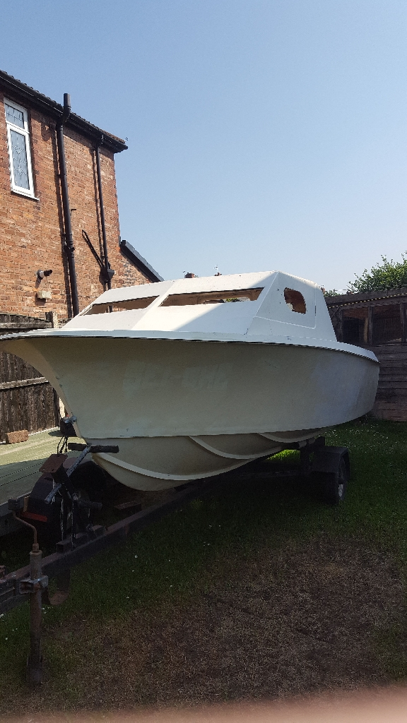 Project fishing boat 16ft + trailer