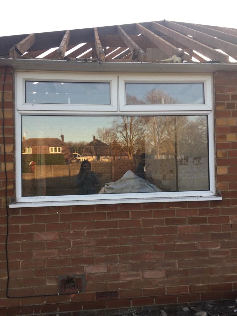 6 x windows