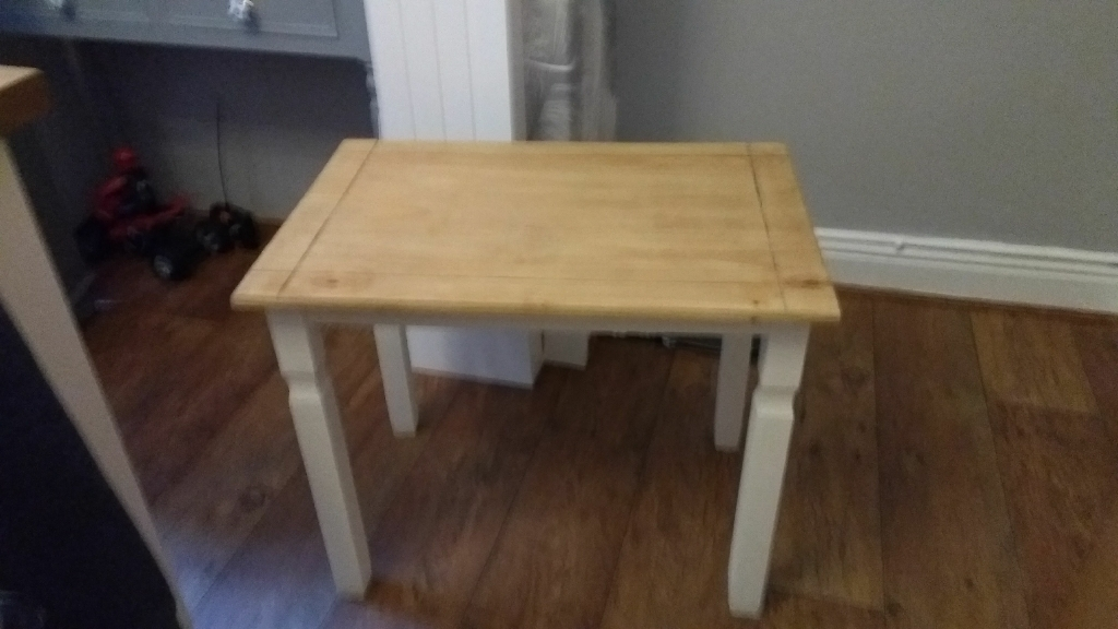 Small Coffee Tableside Table