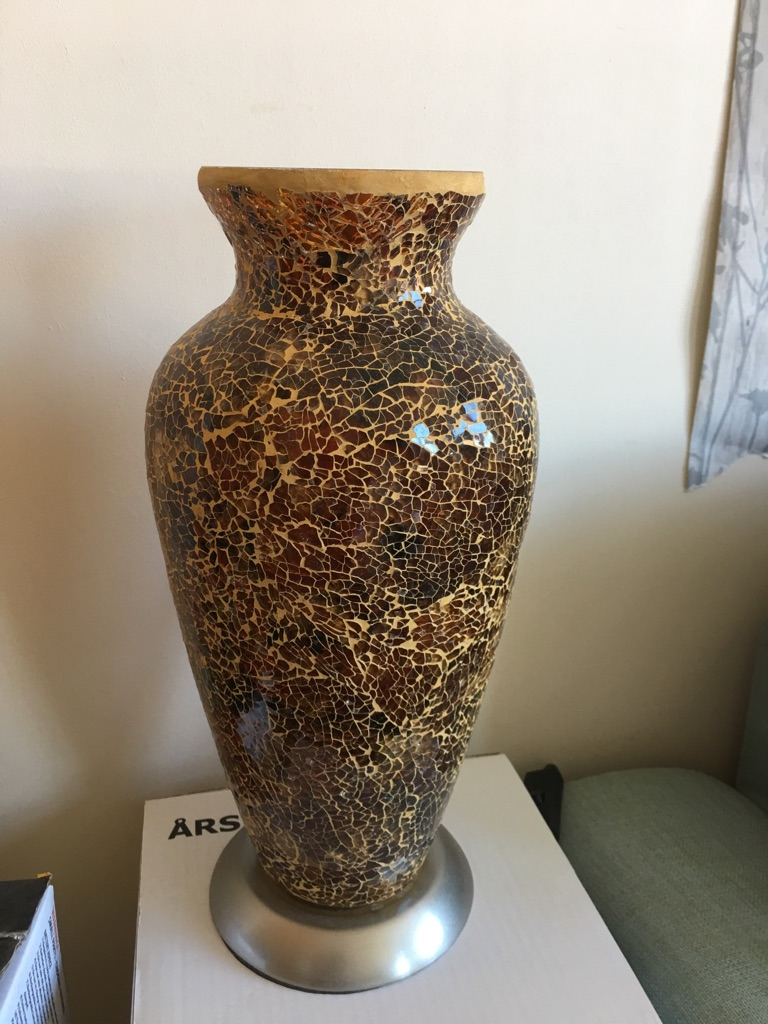 Lovely vase lamp for sale