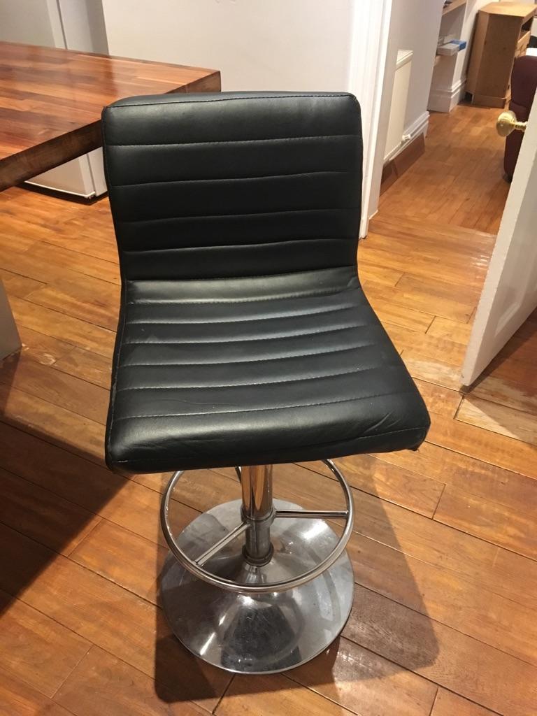 Black breakfast bar stools
