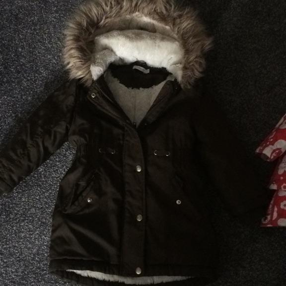 Debenhams lovely coat age 5/6