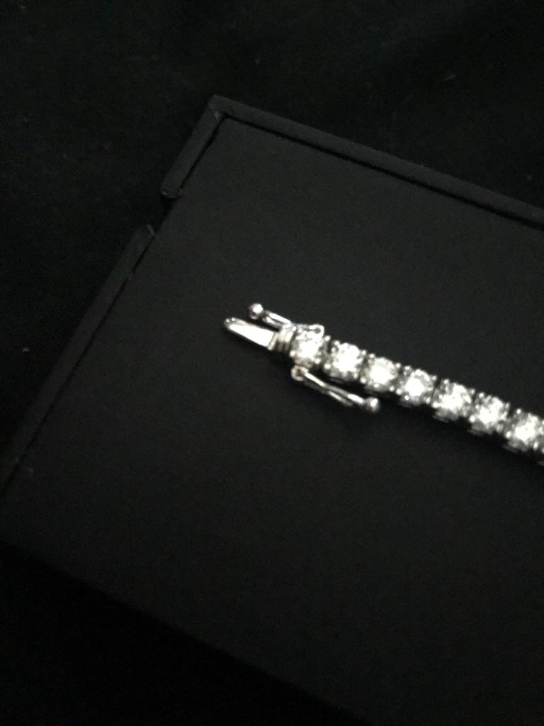 9ct white gold bracelet