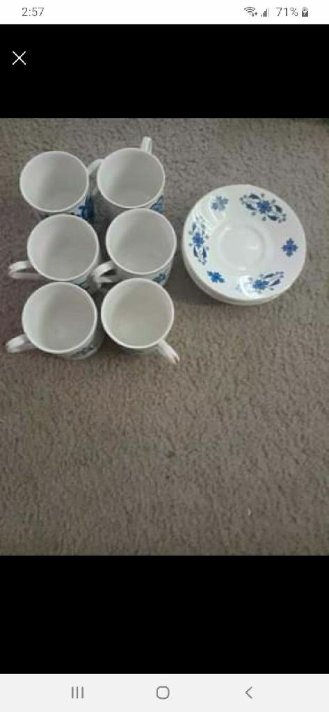 Vinyl tea dish set