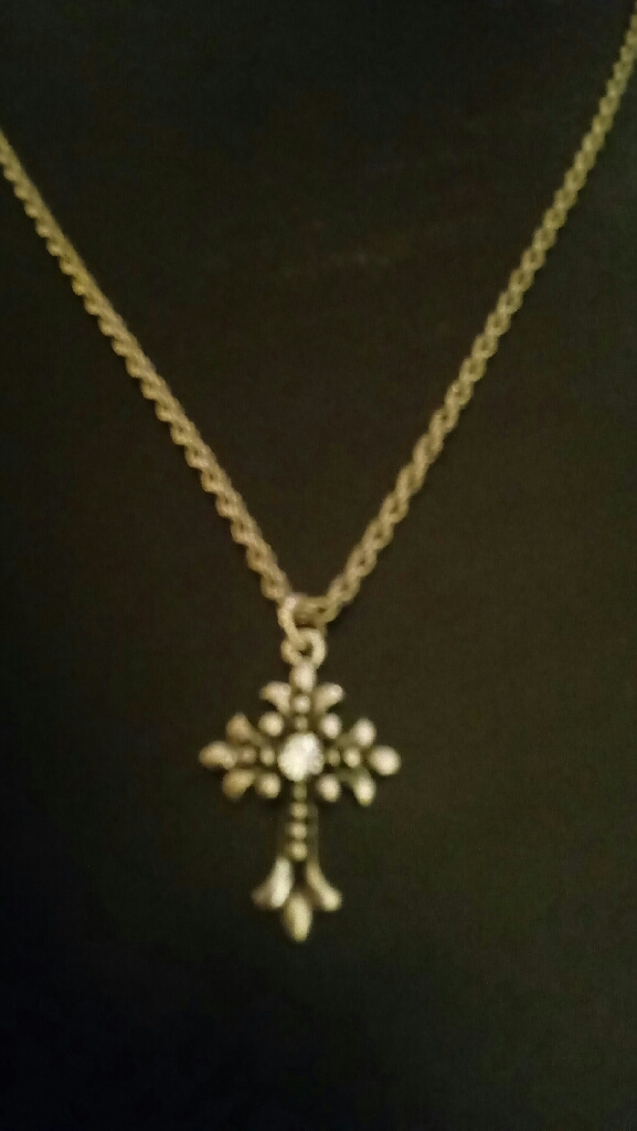 Beautiful Vintage Cross in Sterling on a Sterlung Silver Chain