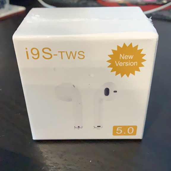 i9S TWS Bluetooth headphones and mic