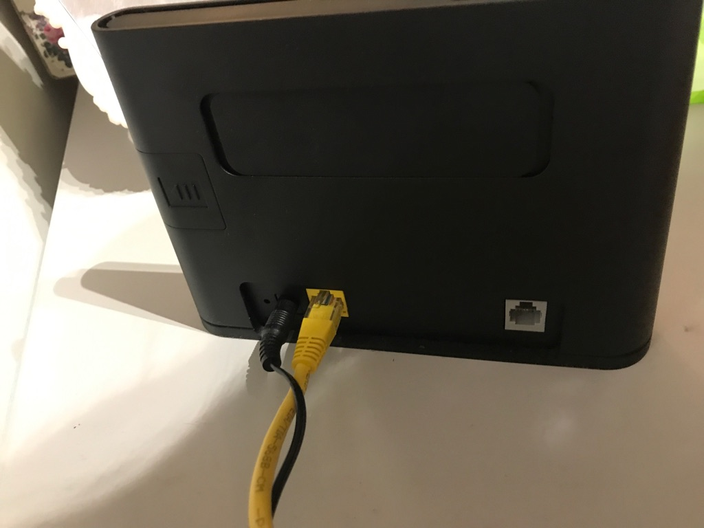 Huawei WiFi router ,original price is £60