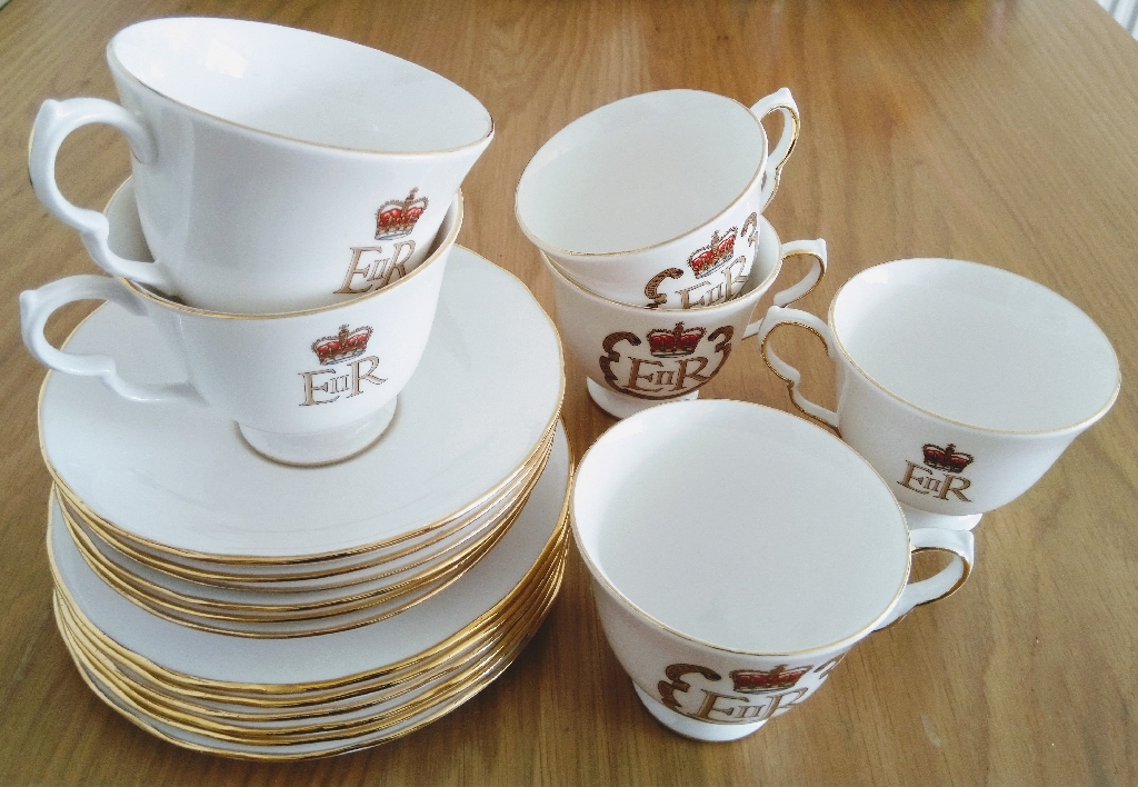 Queen Anne Bone China Tea Set - The Queen's Silver Jubilee 1952 - 1977
