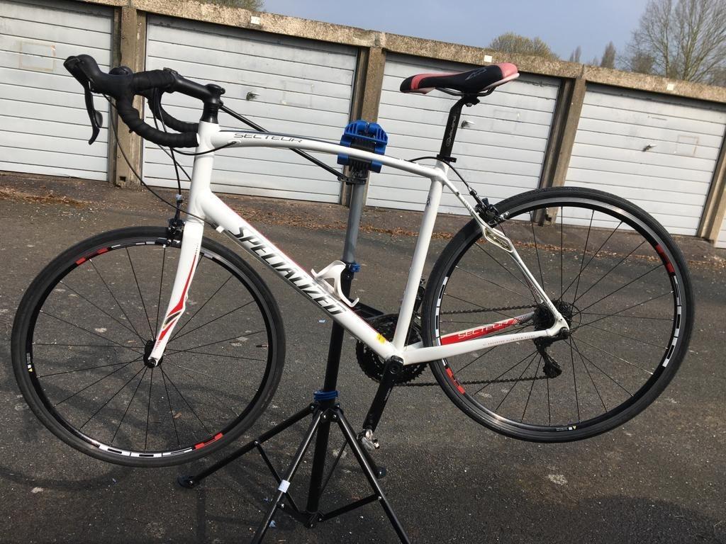 Specialized secteur mens road bike