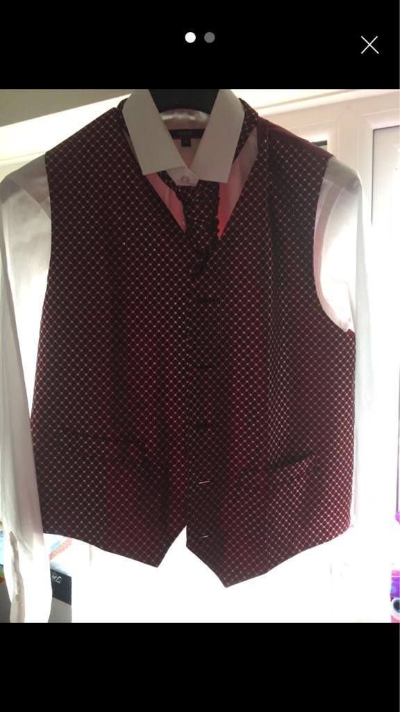Men's shirt, waistcoat and cravat