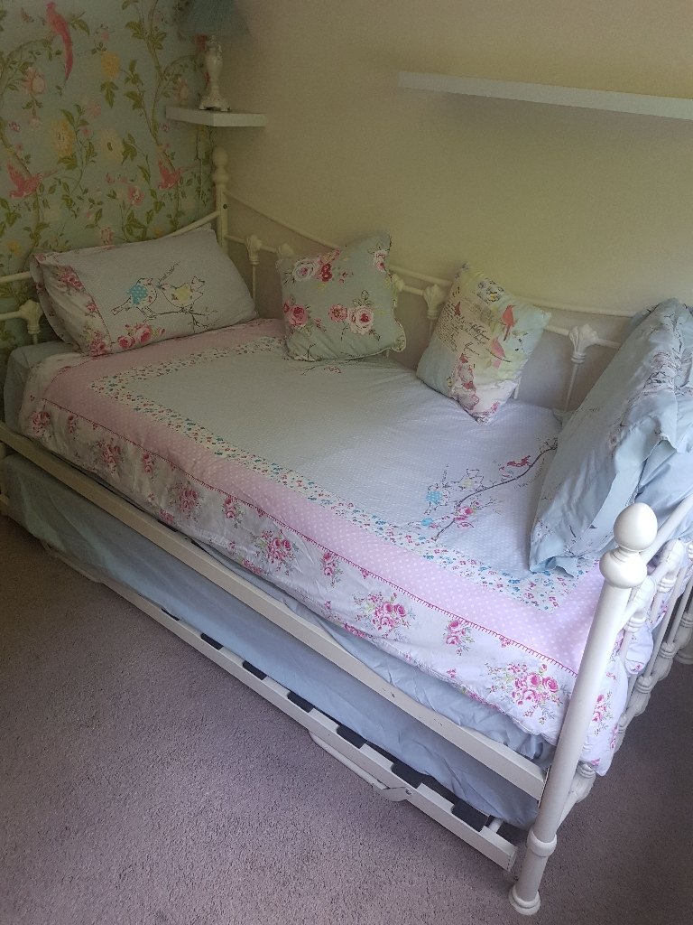 Shabby Chic day bed