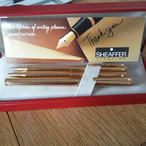Sheaffer trio gold pen set