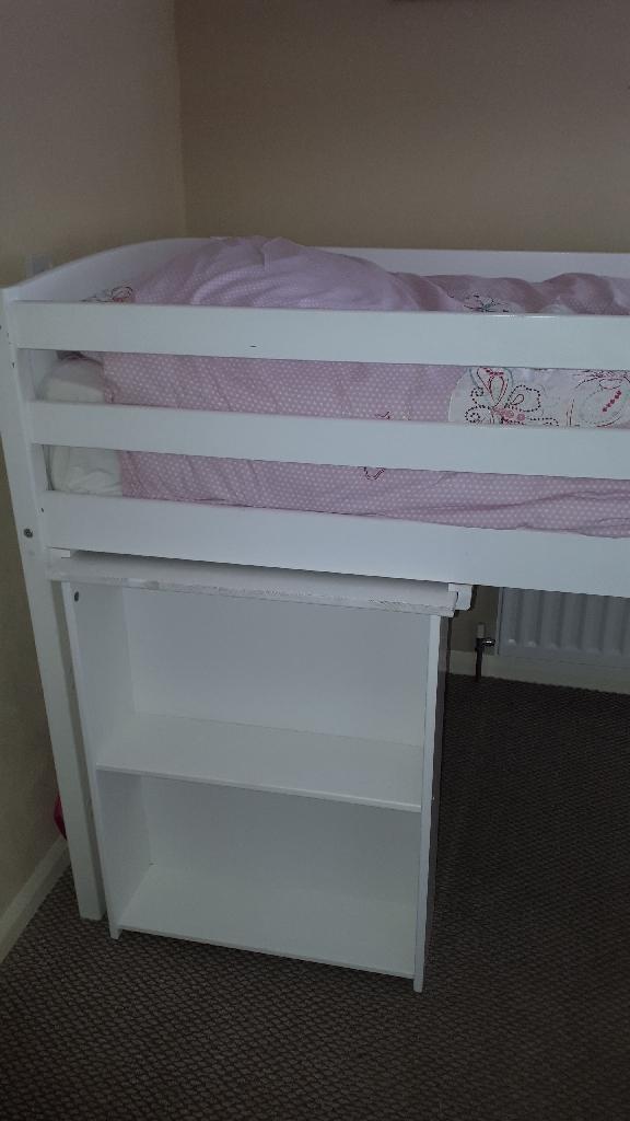 White single cabin bed