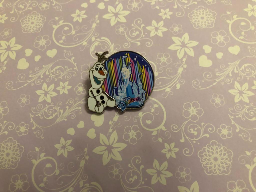 Disney Olaf pin