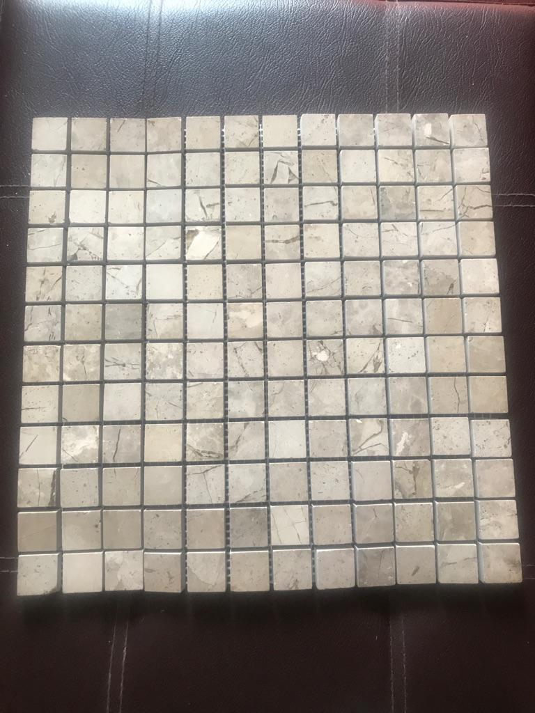 Tiles/granite tiles