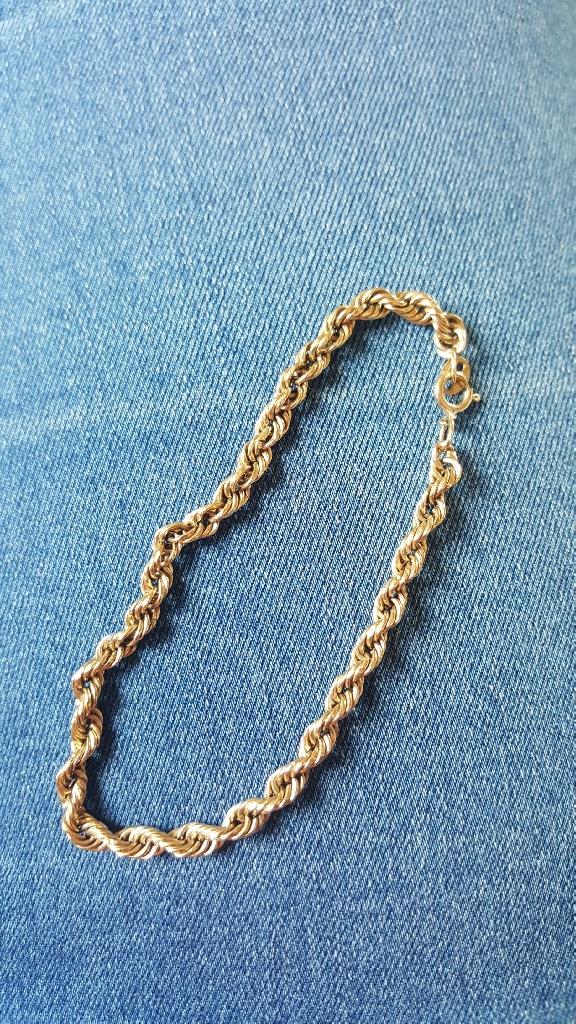 9ct gold bracelet.
