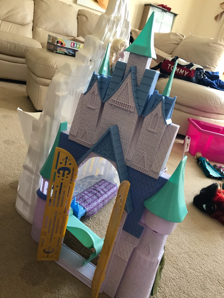 Disney frozen Elsa Castle