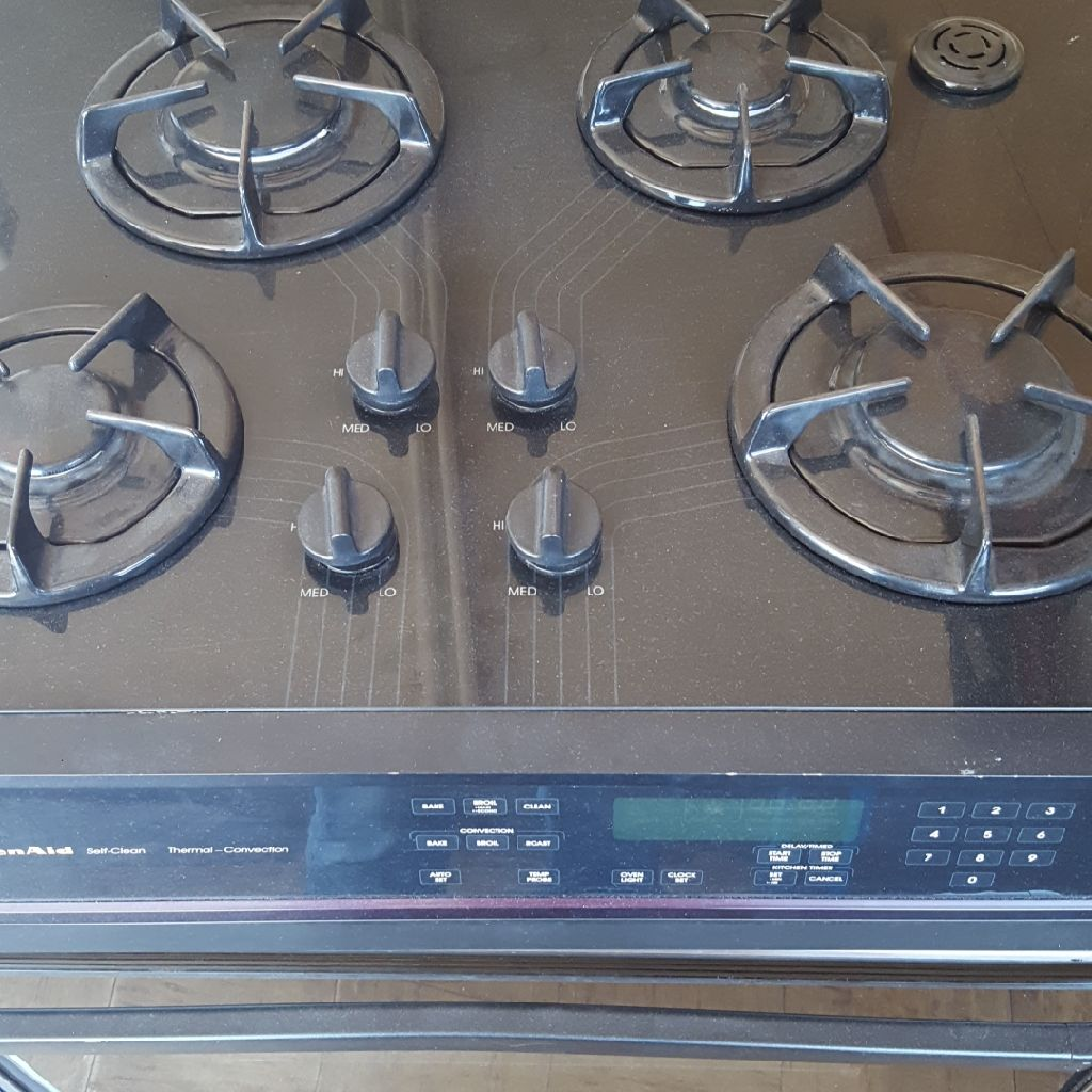 Kitchen Aid electric and gas Island stove
