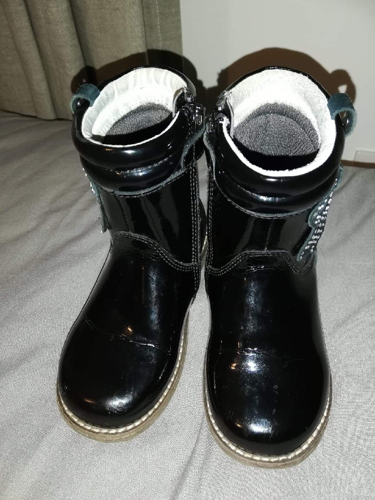 Girls black lelli Kelly boots size 7