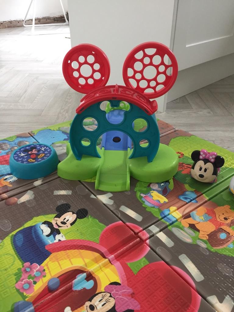 Disney play mat and ramp