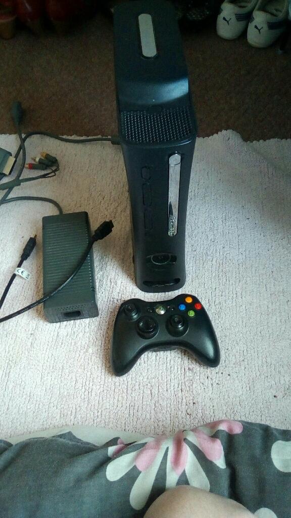 Xbox 360 elite console  120 gig