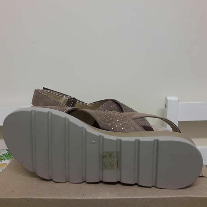 Cushion Walk Ladies Diamante Sandals Mocha