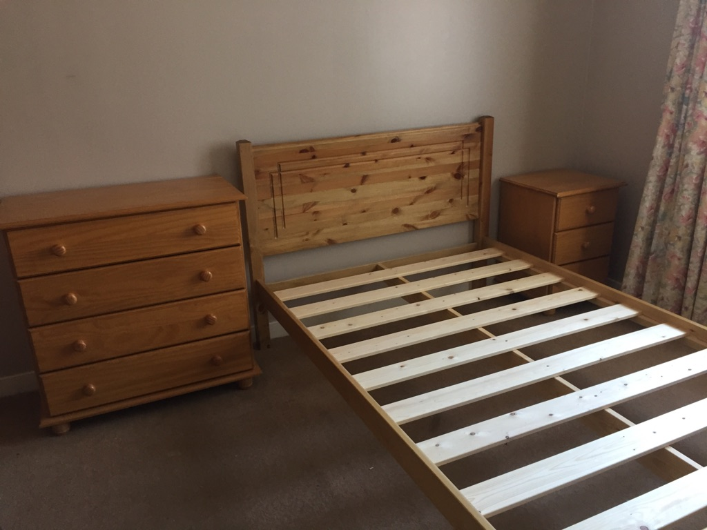 Bedroom Draws, Bedframe and Headboard