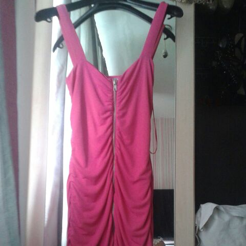 Pink dress zip up