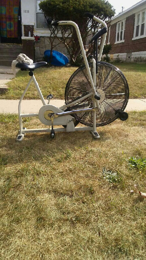 Schwin airdyne exercise bike w digital and fan
