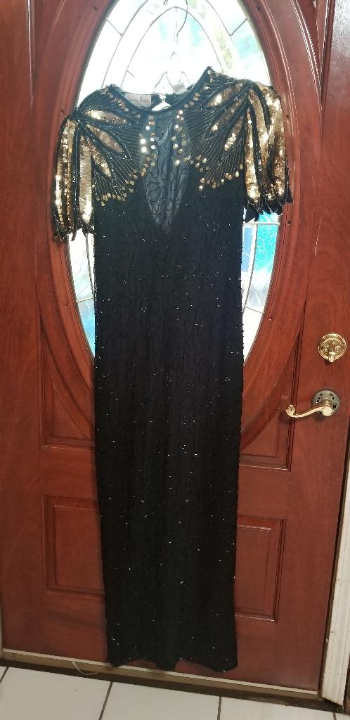 Black/Gold Shoulder Sequin Dress (Size L)