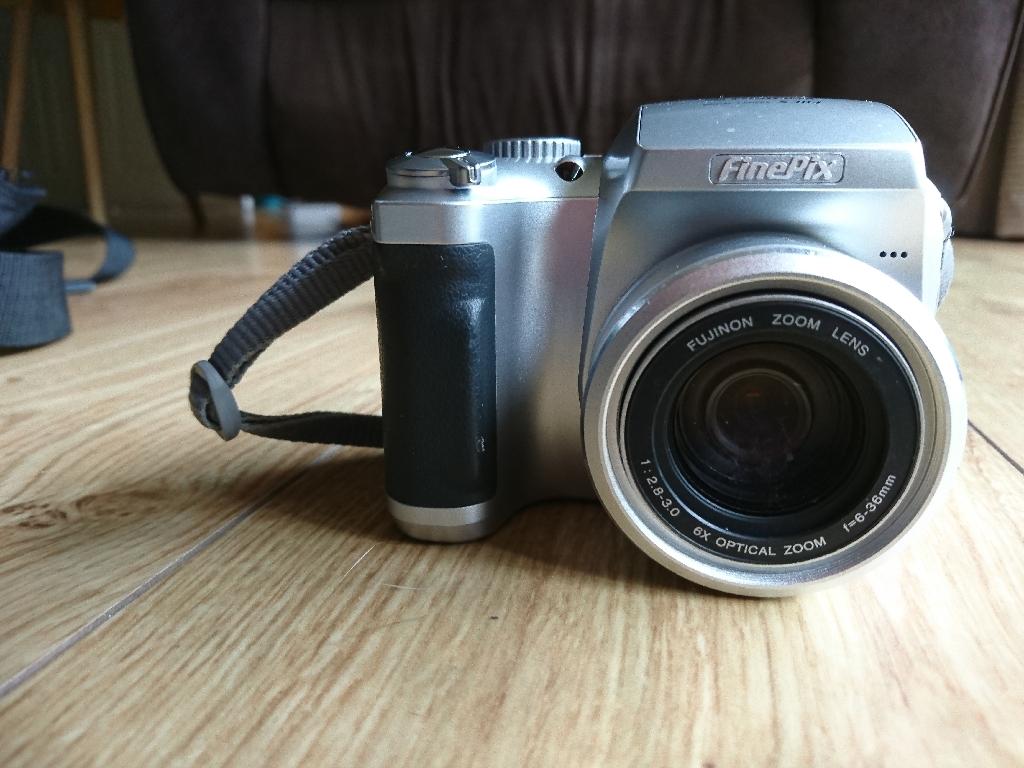 Fuji film Finepix S304 digital camera