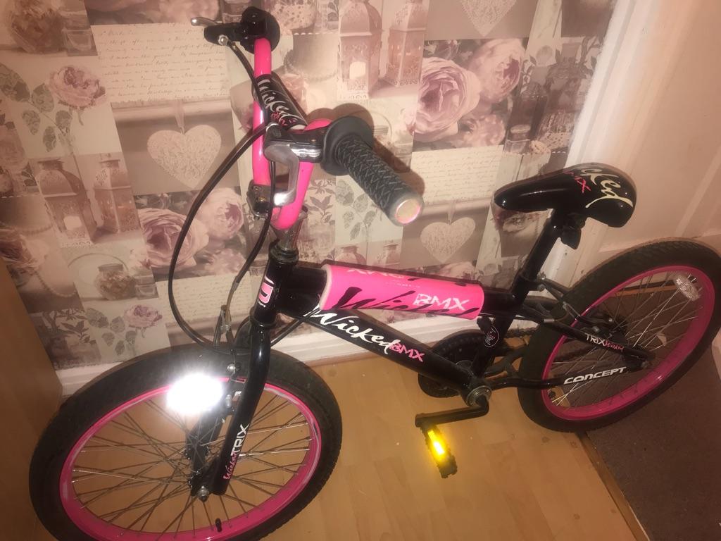 "20"" bmx bike pink and black"