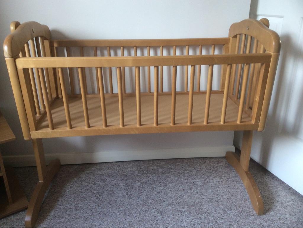 Good quality swing crib with new mattress