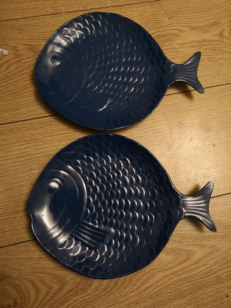 Fish design serving dishes