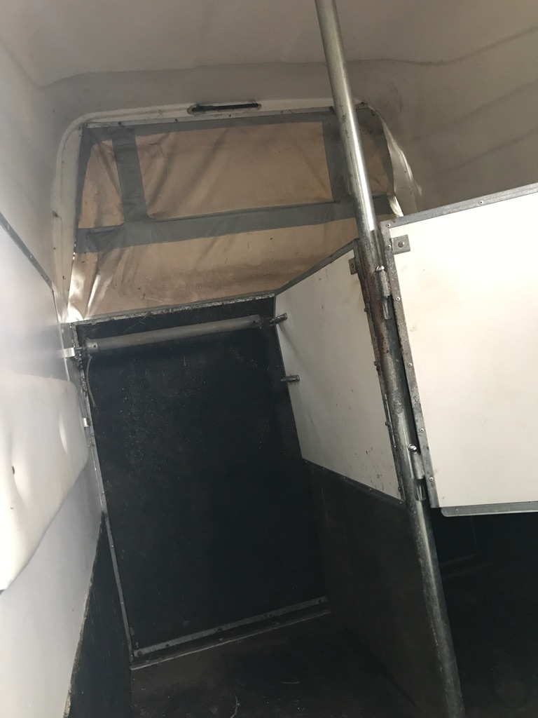 Lightweight sluis trailer
