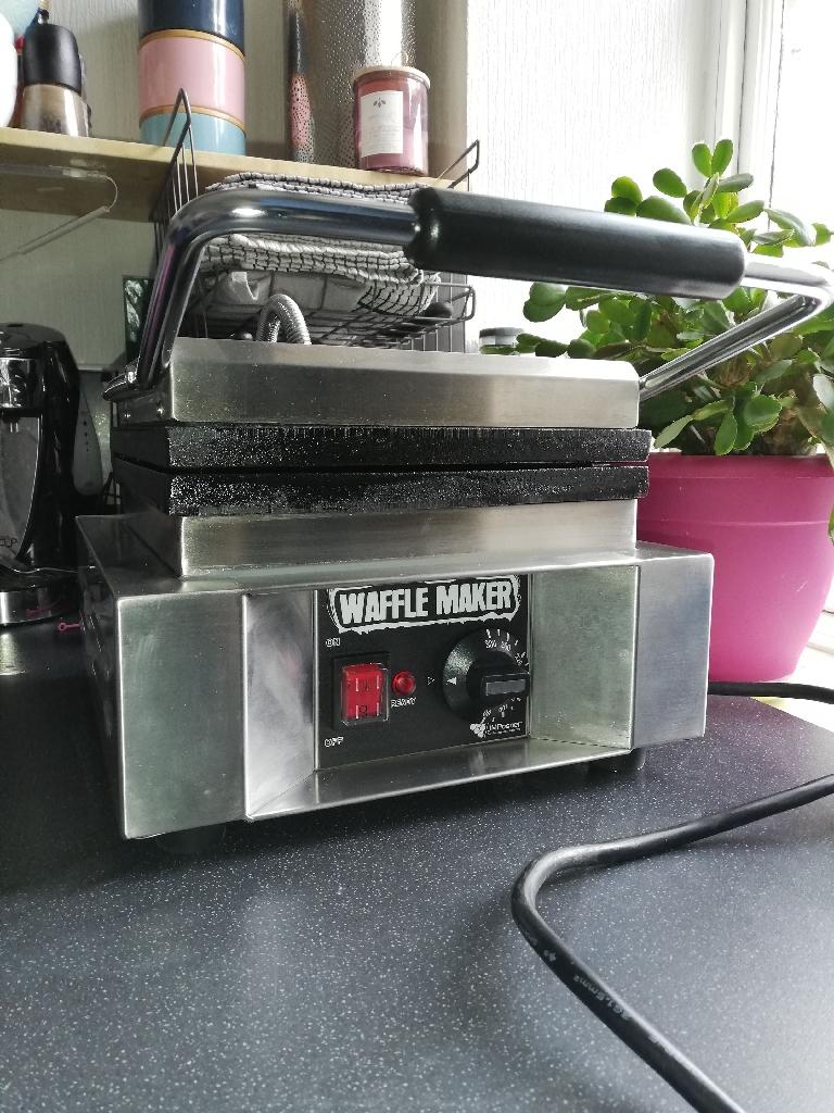 Jm Posner Commercial Waffle machine