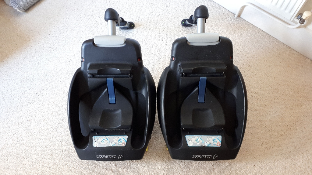 Two Maxi Cosi Isofix Bases