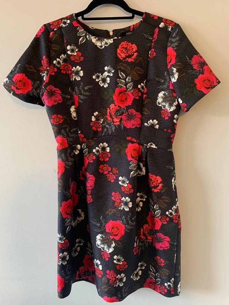 Size 12 Oasis floral dress