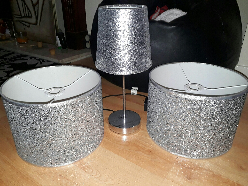Glitter lamp and 2 lamp shades