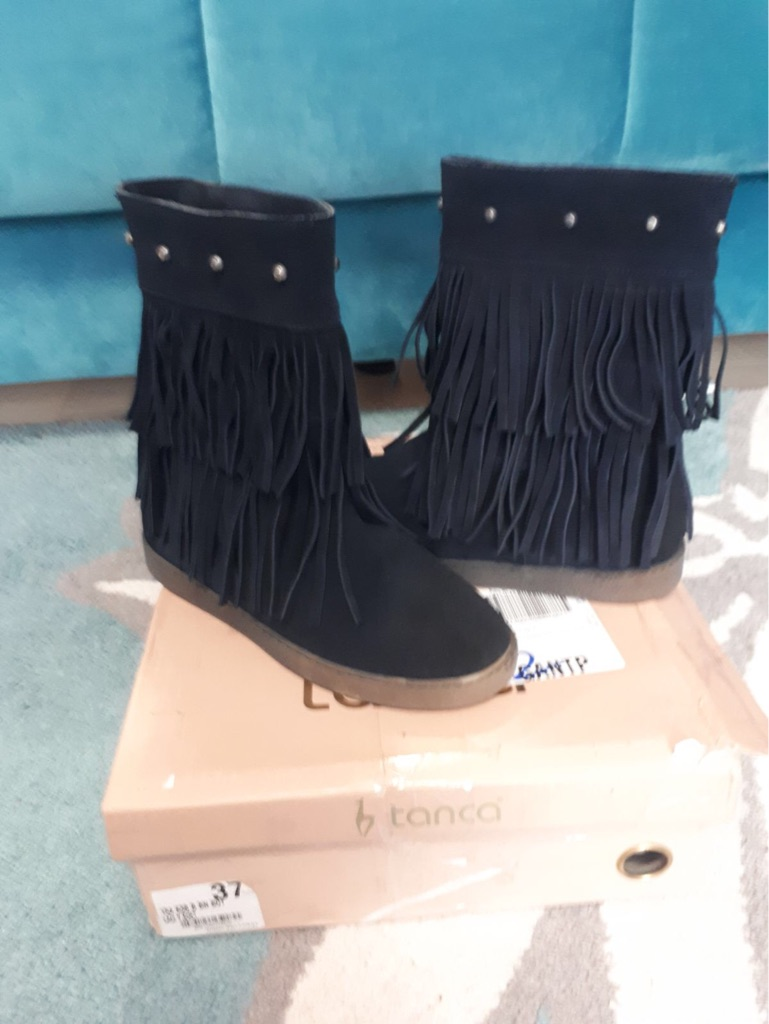 Size 4, brand new boots