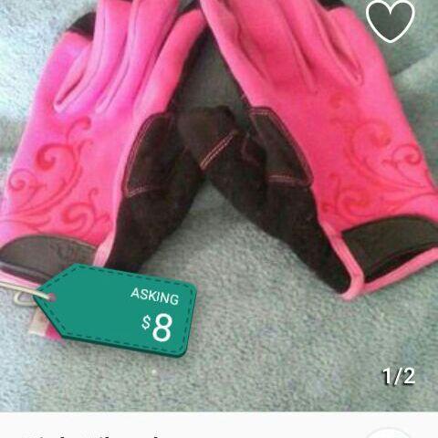 Pink nike gloves