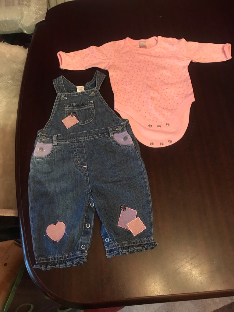A Gorgeous winter Baby Bundle of Girls Baby Clothes age 0-3 months