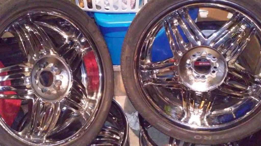 4 22in rims 2 tires